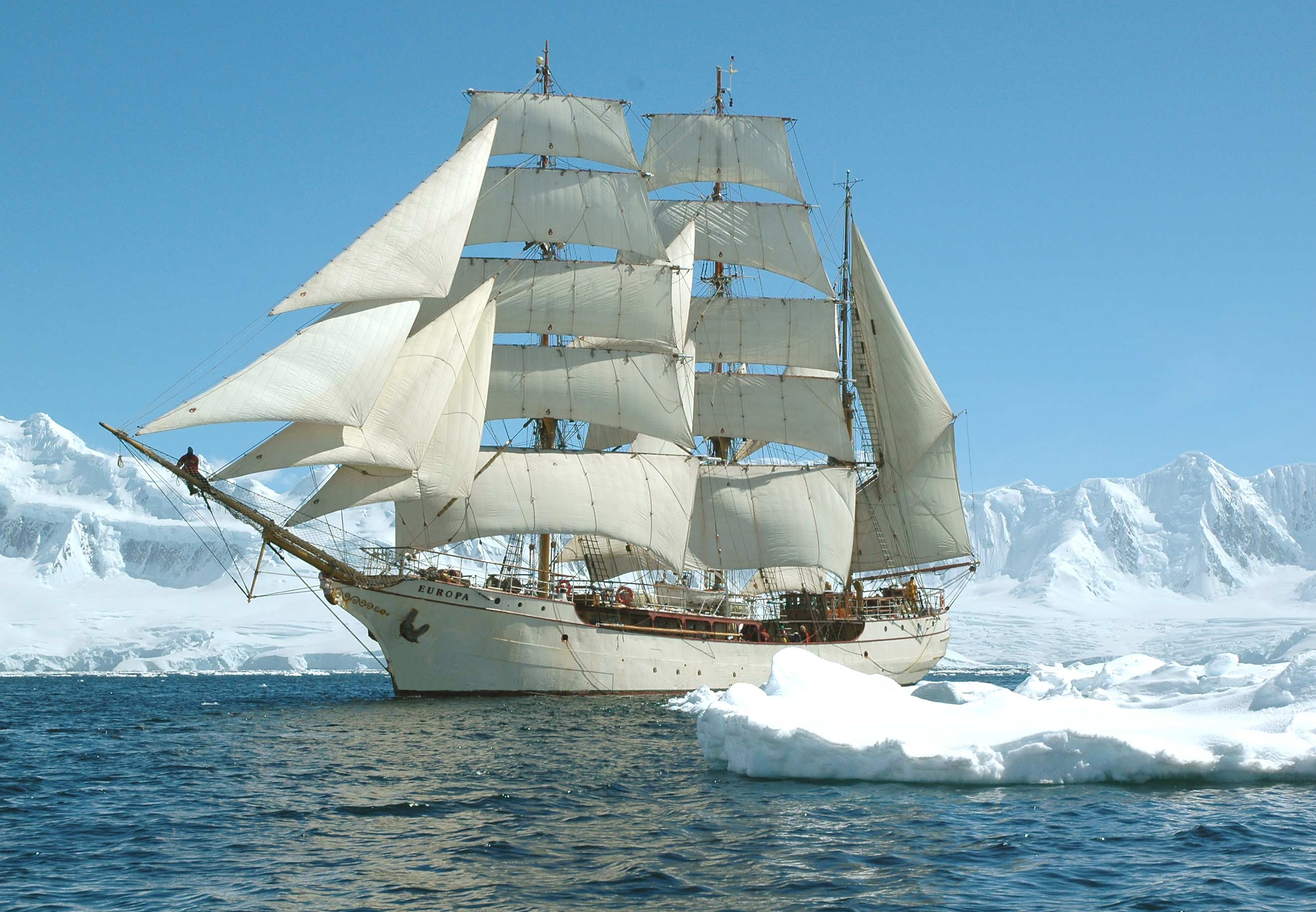 "Pure white"" – journey to Antarctica with Bark Europa, Feb"